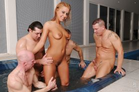 European babe with big tits Nikky Thorne gets cumshots on her face