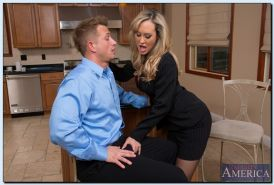 Big busted MILF in stockings Brandi Love gets her pussy licked and shagged