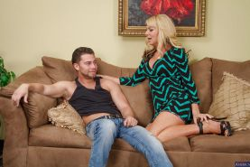 Blonde Sasha Sean was pounded in her wide mouth and filled with sperm