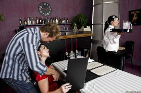 Foxy babe Angell Summers gets banged hardcore in the restaurant