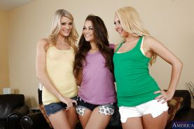 Admirable chicks have threesome stripping and lesbian humping fun