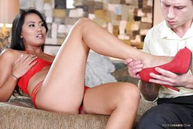 Asian foot fetish hardcore footjob featuring the sexy Angelina Chung
