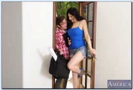 Gorgeous MILF Diana Prince seduces a nerdy guy to play with his tool