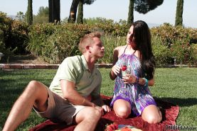 Busty babe Kortney Kane gives a blowjob and gets nailed outdoor