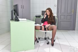 Horny office worker Julie Skyhigh stuffs dildo in twat at work