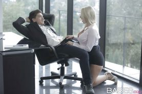 Hot Euro blond Victoria Summer gives CFNM bj on knees for cumshot in office