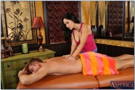 Slutty asian masseuse Jessica Bangkok gives a blowjob and gets porked