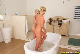 Donna Bell and her sister Kiara Lord masturbating in a hot bath
