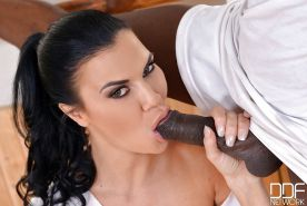 European mom Jasmine Jae deepthroats BBC during hardcore interracial sex