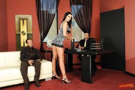 Busty cocksucker Larissa Dee loves getting into an orgy with two cocks