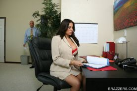 Latina MILF Sheila Marie gets a cock for her hairy cunt in the office