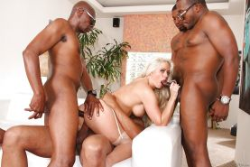MILF pornstar Holly Heart fucked in all 3 holes during interracial gangbang