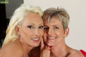 Mature lesbians Melanie and Sandy Saxx fingering granny pussy after kissing #55454660
