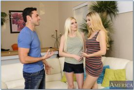Hot gals with big tits Natalia Star & Riley Evans share a hard dong
