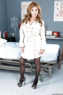 Milf babe Kianna Dior featured in an outstanding posing scene