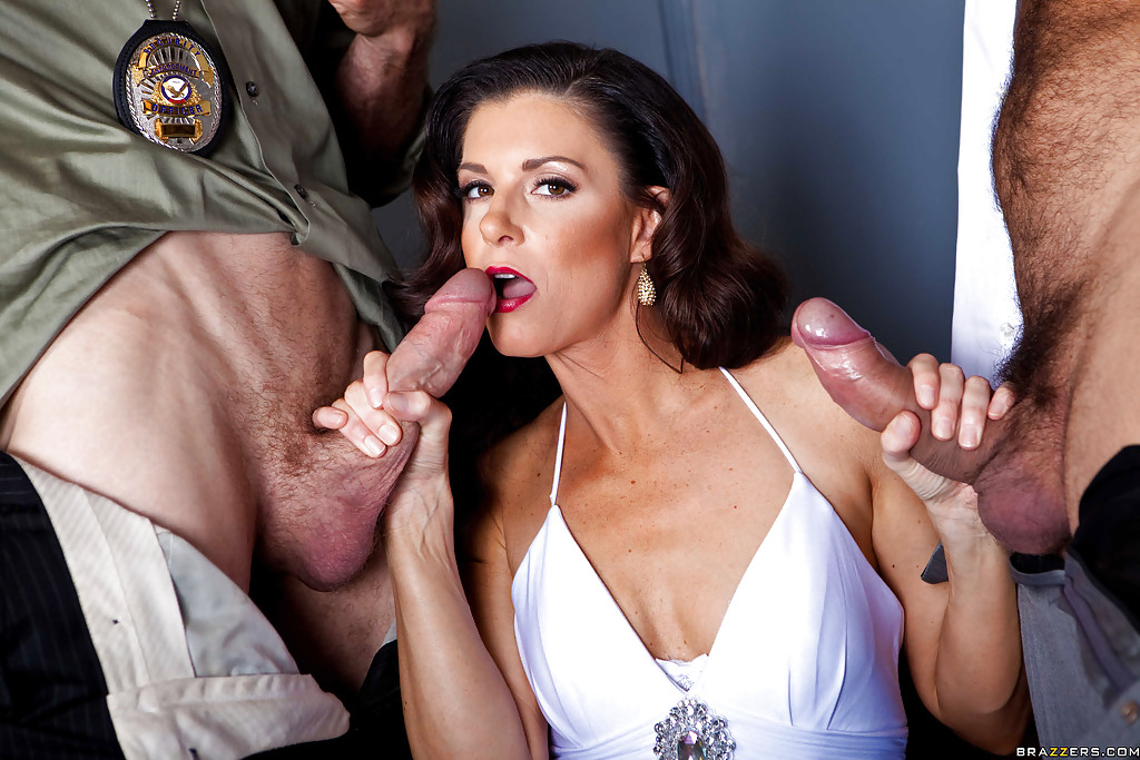 Horny MILF in stockings and lingerie India Summer gets double penetrated #50539153