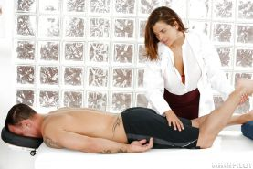 Buxom Latina Keisha Grey applying the new nuru massage technique