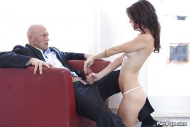 Curvy girlfriend Jenni Lee playing with shaved balls and sucking cock
