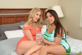 Muff diving MILFs Brianna Ray and Candi Coxx enjoy an intimate licking