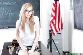 18 year old nerd Alexa Grace spreading shaved kitty in classroom