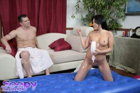 Curvy asian slut gives a soapy massage with a happy ending on her face