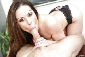Big titted MILF Kendra Lust deepthroating cock while giving oral sex