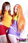 Cosplay fetish models Harmony Reigns and Elouise Please toy shaved twats
