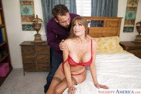 Chesty wife Darla Crane receiving oral sex om mature vagina