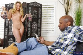 Blonde wife AJ Applegate is demonstrating her sex skills