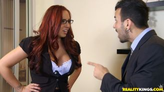 Kelly Divine gets a cumshot on her feet after hardcore fucking