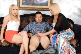 Mellanie Monroe and Valerie White are wanking this nice short cock