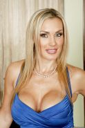Blonde MILF Tanya Tate with a big ass demonstrates her sexy body