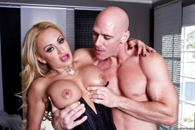 Sultry MILF Claudia Valentine gets her asshole stuffed with a big cock #56242623