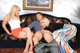 Blondes Mellanie Monroe and Valerie White are sharing juicy sperm