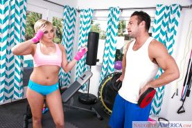 Blonde teen Kate England takes break from sports workout to give oral sex