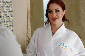 Undressing scene features milf babe Jessica Ryan, getting ready for massage