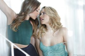 Lesbian teens Mia Malkova and Aubrey Star kissing in non nude scene