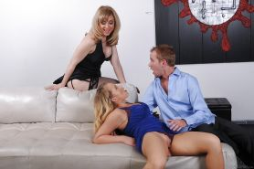 Nina Hartley is teaching Britney Young how to suck dick deep
