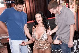 Chesty brunette granny Rita Daniels taking jizz on face in MMF threesome