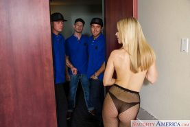 Groupsex blowjobs delivered by blonde Karla Kush in pantyhose