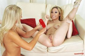 Busty lesbian Barbie White is into fisting with her hot girlfriend