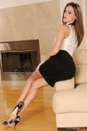 Gracefull foot fetish babe Tori Black taking off her suit and high heels