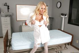 Hot MILF Riley Evans demonstrates ripe boobs and booty in hospital