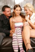 Daria Glower & Rachel Evans have a passionate threesome groupsex
