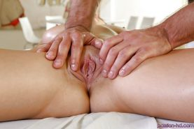 Masseur Johnny Castle massages breasts and ass of Dillion Carter