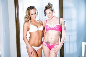 High heeled dykes Carter Cruise and Dahlia Sky pose in sexy lingerie