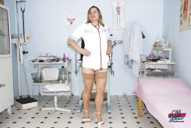 Mature gyno nurse on high heels spreading her legs and toying her muff