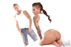 Christy Mack gives a fervent blowjob and gets her pussy plugged hard