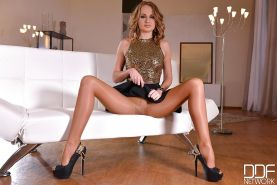 Pantyhose adorned Euro babe Ivana Sugar shows off great legs in high heels