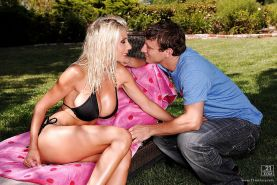 Slender cowgirl Puma Swede is having her pussy fucked outdoor
